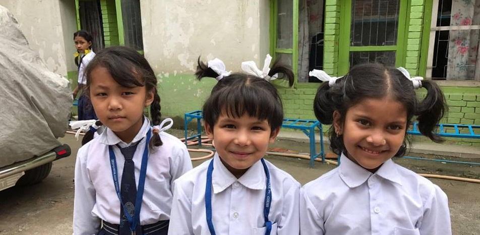 Paquets cadeau pour les écoliers au Népal